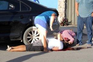 Felipe Carrillo Puerto.- Una persona fue ejecutado, la tarde de este domingo en Felipe Carrillo Puerto, cuando unas personas a bordo de un vehículo hicieron descender a su víctima ultimándolo con varios disparos en el cuerpo con arma larga y quedando en medio de un charco de sangre, mientras que los agresores huyeron del lugar