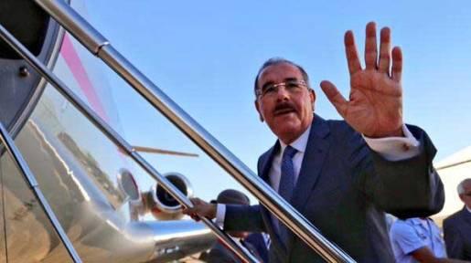 Danilo Medina sale a Colombia este martes