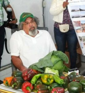 Piden que el padre Rogelio Cruz asuma candidatura