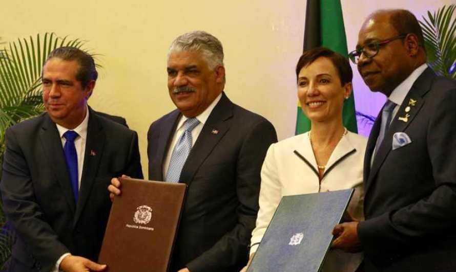 RD y Jamaica firman acuerdo de cooperación de Turismo Multi-destino