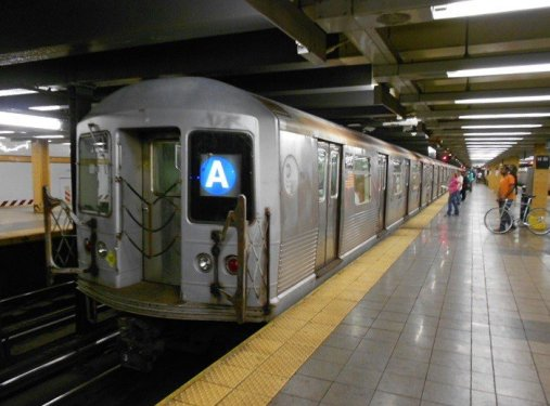 Golpean conductor Tren A en Brooklyn