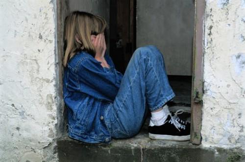 Etapa y señalnan di abuso