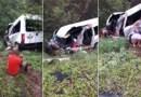 Batida entre van e carreta mata duas pessoas e deixa outras 13 feridas