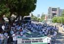 Trabalhadores do setor agrícola marcham em defesa dos seus empregos em Barreiras, no oeste da Bahia