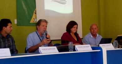 Embasa debate prestação dos serviços de água e esgoto durante audiência pública em Canápolis