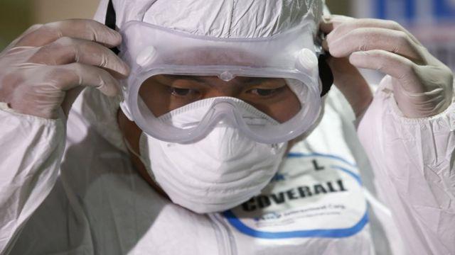 China reporta su primer caso de la nueva variante del coronavirus