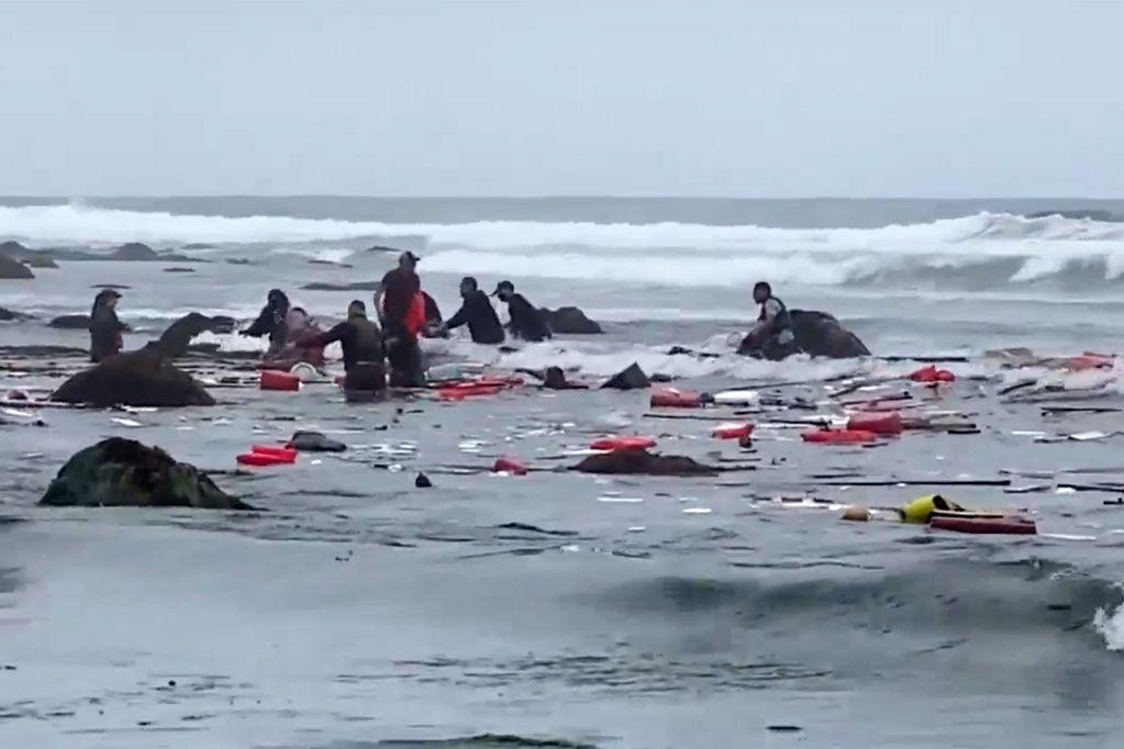 Cuatro muertos y 30 heridos deja naufragio en San Diego California