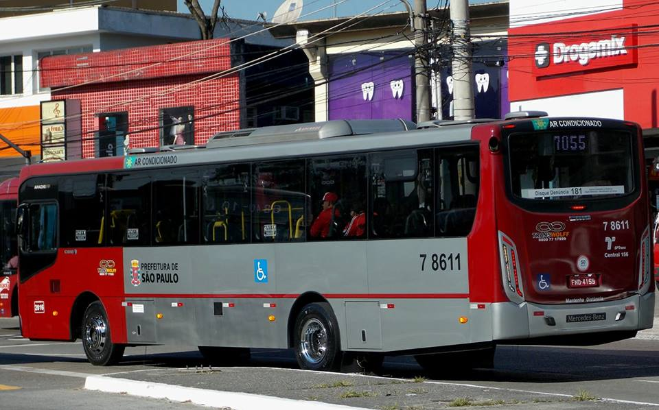 Ônibus da Transwolff suspensão