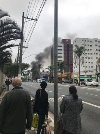 Ônibus da Mobi pegando fogo