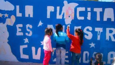 Photo of CHICOS DE LA VILLA 20 Y EL ARTISTA NACHO ÁVALOS SE UNEN PARA UN MURAL