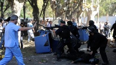 Photo of REPRESIÓN EN EL BORDA: LA JUSTICIA PENAL INVESTIGARÁ A MACRI