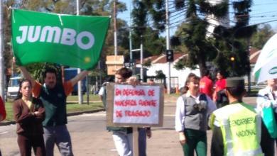 Photo of EMPLEADOS DE JUMBO PROTESTAN POR LA TOMA DE LUGANO