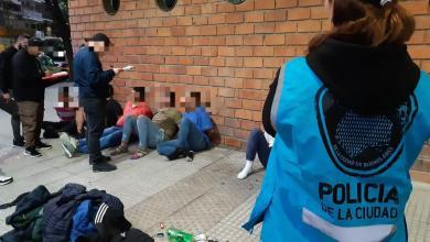 Photo of La Policía de la Ciudad detuvo a siete hombres, uno armado, en Belgrano, en inicio de cuarentena obligatoria