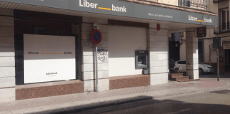 Liberbank reestructura su red comercial