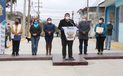 Gobierno de Tuxpan cumple con obra de pavimentación y nuevo acceso a la colonia El Esfuerzo.