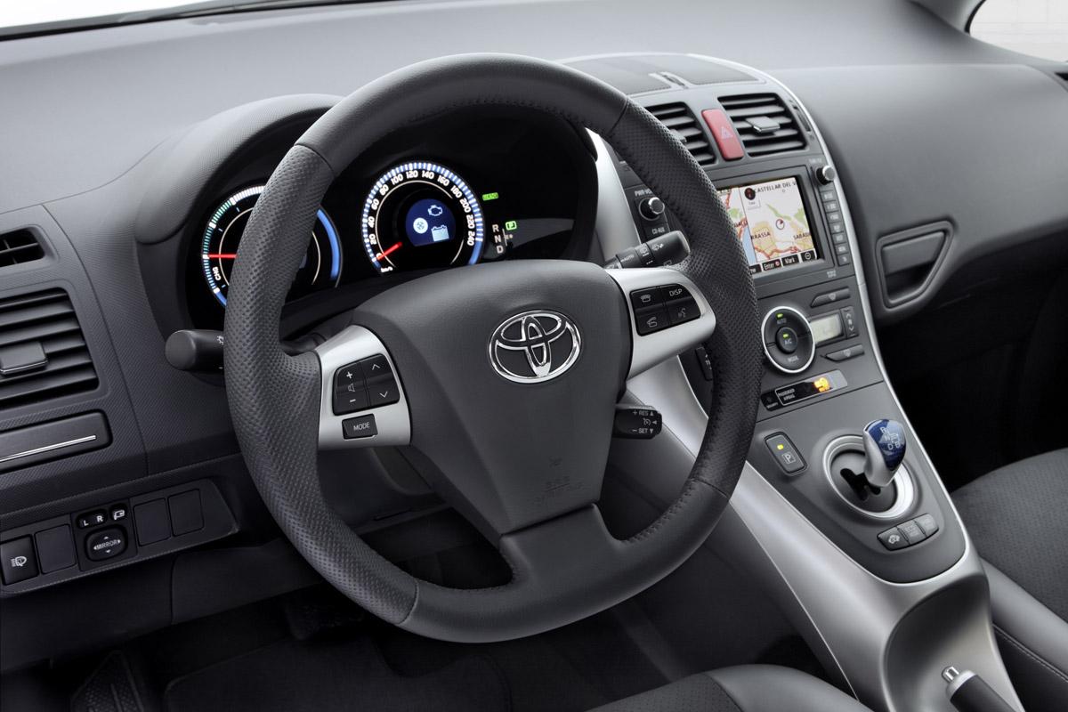 2011 Corolla Fuse Box Auris Hsd Otro H 237 Brido De Toyota