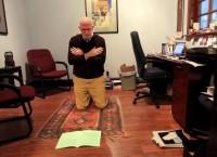 Polêmica: Pastor vive como muçulmano por 40 dias para compreender a  crença. Congregação ameaça expulsa-lo