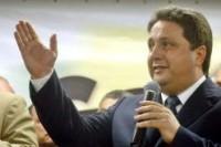 Bancada Evangélica anuncia que impossibilitará qualquer votação enquanto o Kit Gay não for extinto