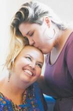 """Advogada evangélica testemunha que sua luta contra o câncer trouxe oportunidade de transformar vidas: """"Quem tem o poder é Deus"""""""