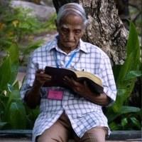 evangelismo-pastor-tiddy-senapatiratne Aos 98 anos, pastor lidera ministério de evangelismo e intercessão, e aconselha colegas