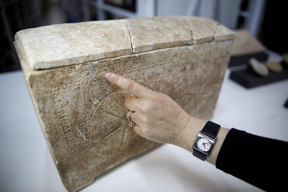 d2432f98733 Arqueólogos israelenses divulgaram mais uma descoberta que confirma os  relatos bíblicos da época de Jesus. Vários objetos citados na Bíblia foram  ...
