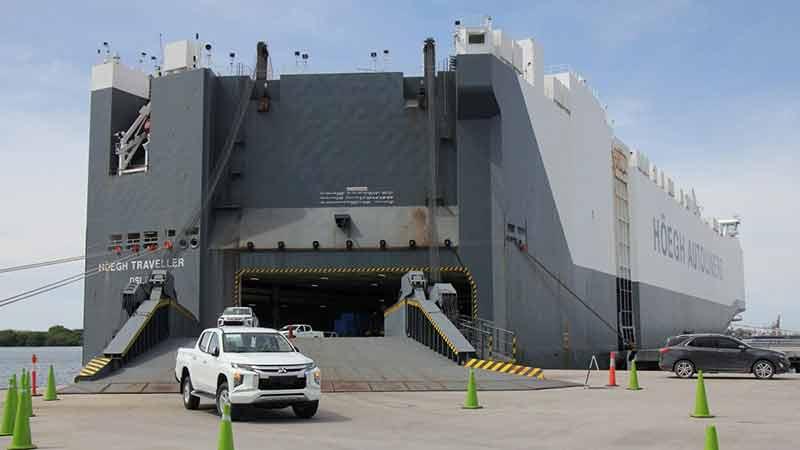 Puerto de Lázaro Cárdenas inicia importación de vehículos Mitsubishi