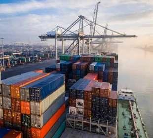 Flete marítimo Asia-México alcanza máximo histórico en septiembre