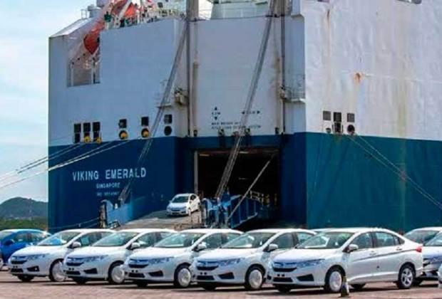 Recepción de vehículos cae en Puerto de Manzanillo