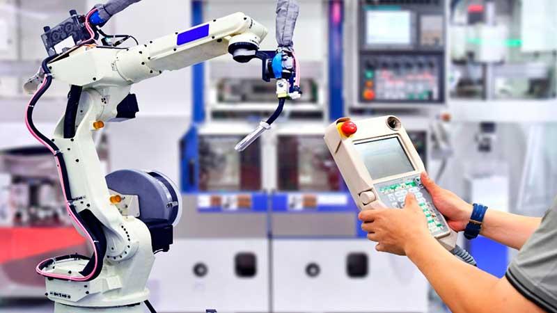 Automatización colaborativa en la manufactura, enfoque adoptado por los fabricantes a un año del Covid-19