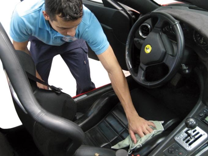 consejos-limpiar-interior-auto-2
