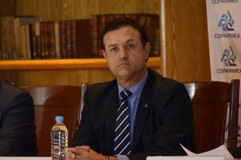El presidente de COPARMEX-CDMX, Jesús Padilla Zenteno aseguró que la nueva Constitución certeza jurídica no sólo a los habitantes de la capital sino también a quienes ven en ella un destino de inversión.
