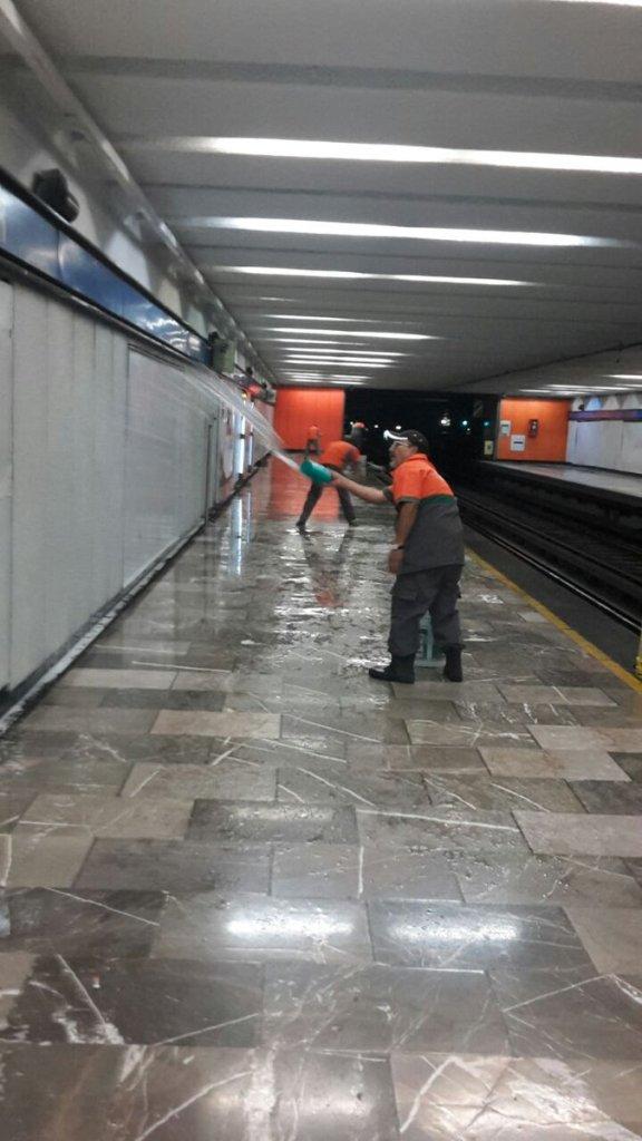 Con goce de sueldo, Metro protege a sus empleados de la tercera edad 4