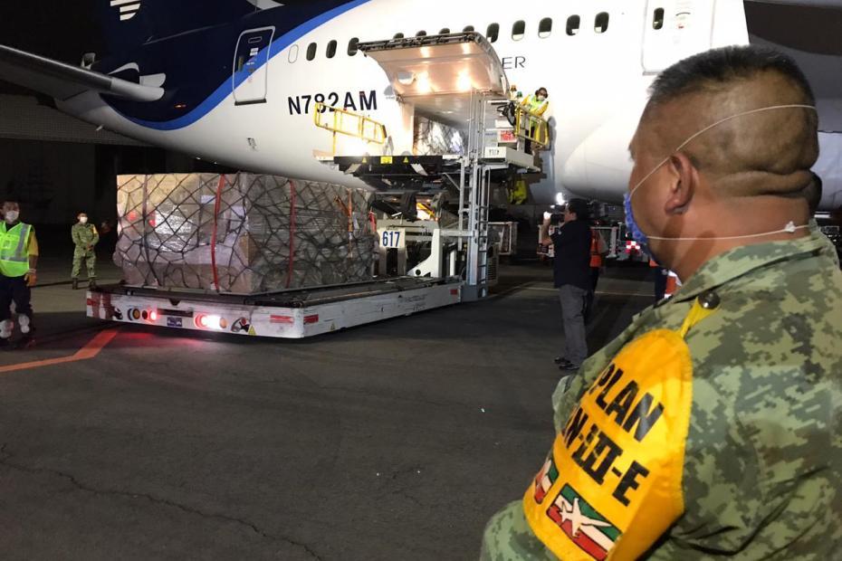 Procedente de China, llega a México equipo médico para atender crisis por COVID-19 1