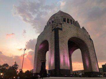 Con sana distancia, reabre Monumento a la Revolución 14