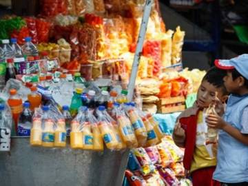 Oaxaca prohíbe la venta de bebidas azucaradas y comida chatarra a menores de edad 1