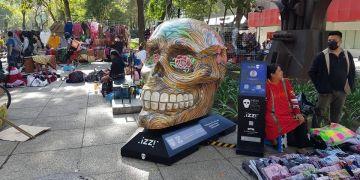 """Son reubicados """"Mexicráneos"""" retirados de Paseo de Reforma 14"""