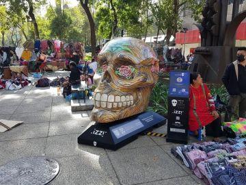 """Son reubicados """"Mexicráneos"""" retirados de Paseo de Reforma 1"""