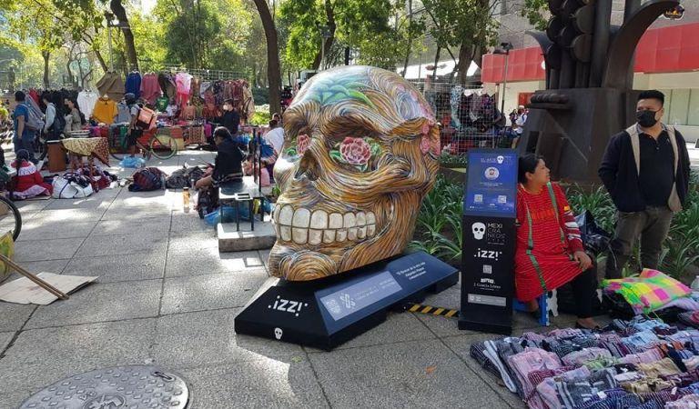 Son reubicados «Mexicráneos» retirados de Paseo de Reforma
