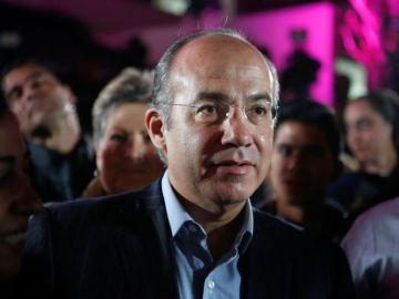 """""""AMLO puede bajarse el aguinaldo porque su esposa recibe la beca más alta que da el Conacyt"""": Felipe Calderón 8"""