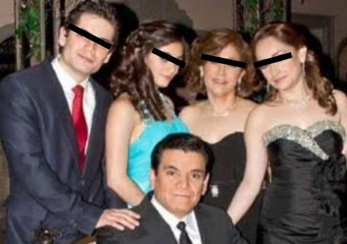 Con el hashtag #LordVacuna, cibernautas muestran su repudio al influyentismo del Dr en Toluca que inmunizo a toda su familia contra Covid-19 1