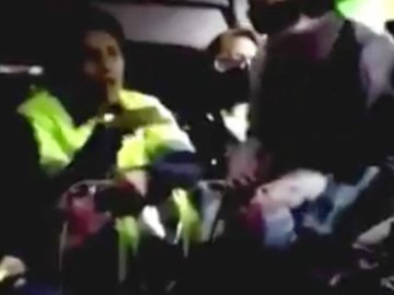 """#LadyPepitas: mujer se niega a usar cubrebocas en combi del Edomex: """"Cuando acabe mis pepitas me lo pongo"""", dice (video) 1"""