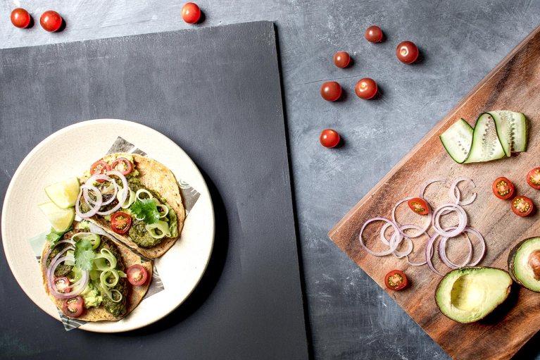 Celebra el Día Mundial del Taco con una deliciosa receta de la chef Gaby Ruiz 1