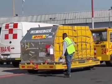 Llegan a México un millón de vacunas contra Covid-19 de Sinovac y Pfizer 9