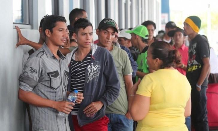 Venezolanos sin pasaporte piden refugio en Perú