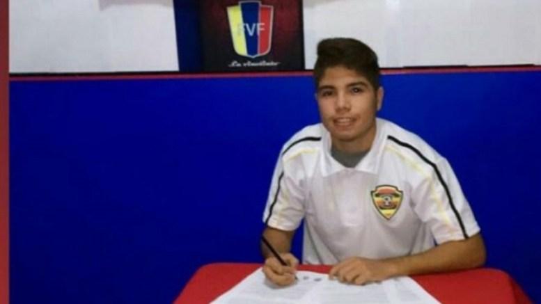 joven-futbolista