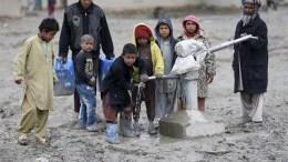 niños en afganistan