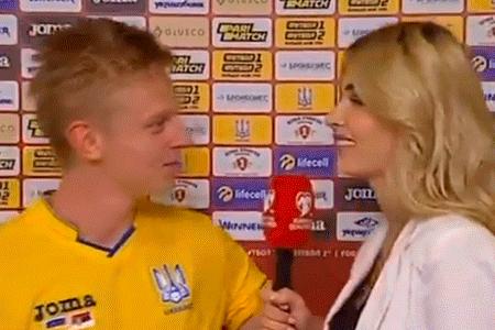 beso con reportera