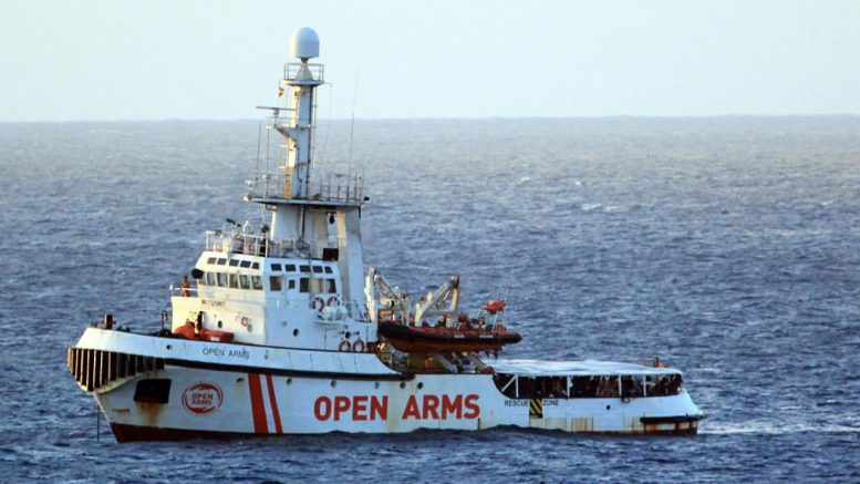 Open Arms rescata migrantes