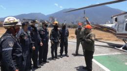 Bomberos y Protección Civil en base aérea La Carlota