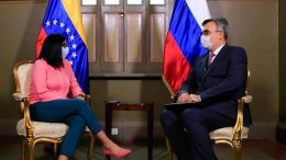Delcy Rodríguez Vicepresidenta venezolana se reune con el embajador ruso en Caracas